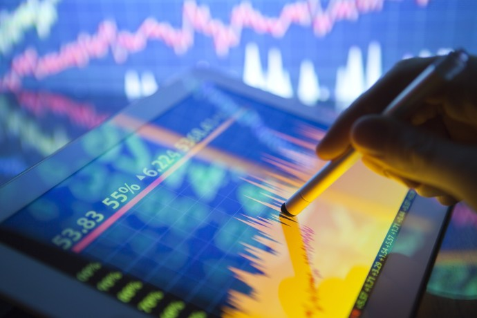 A Brief Discussion on the Returning to the Hong Kong Stock Market of the US-listed Chinese Companies